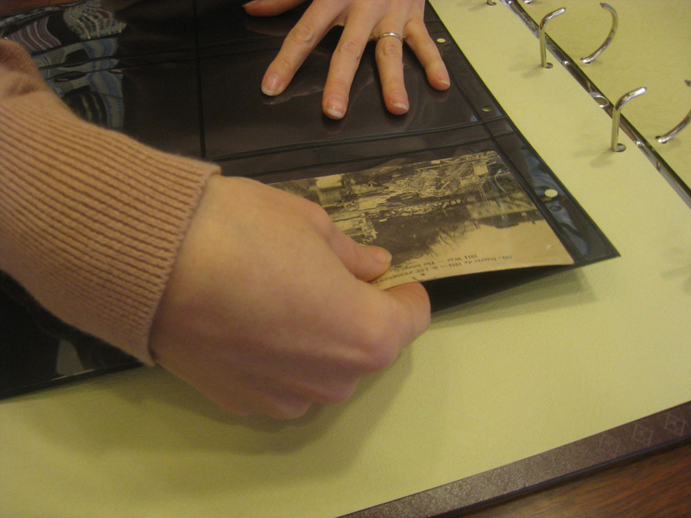 Album pour classer les cartes postales
