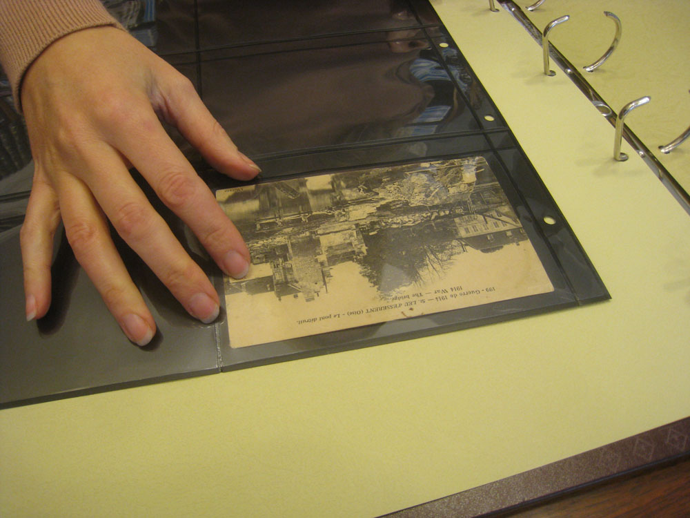 Album pour classer les cartes postales anciennes et modernes