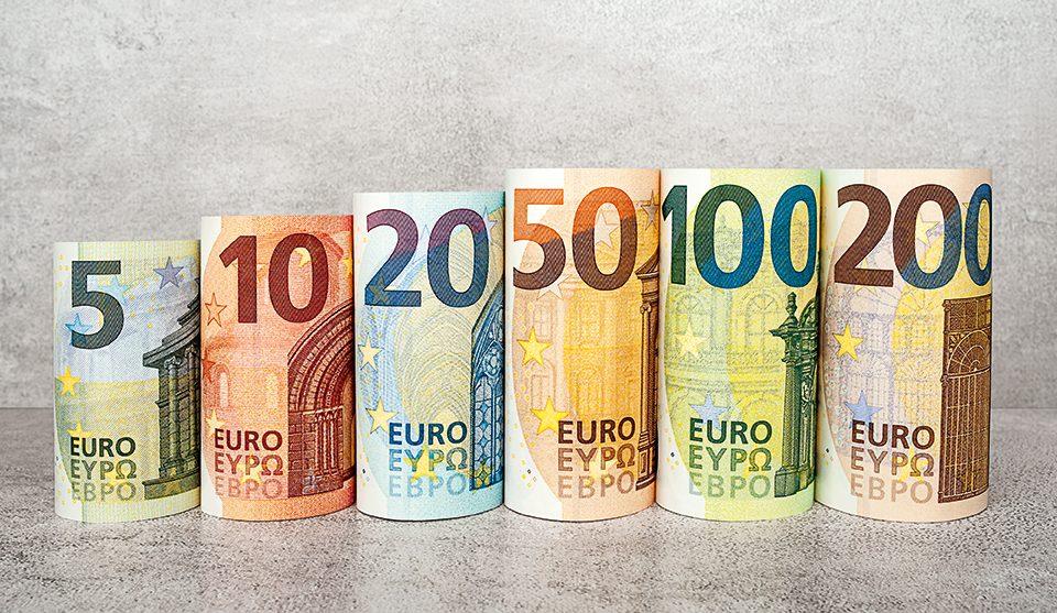 Les nouveaux billets de 100 euro et 200 euro